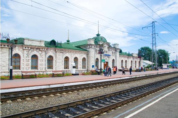 DSC 0405 Кругобайкальская железная дорога   85 км пути без единого хлебного киоска