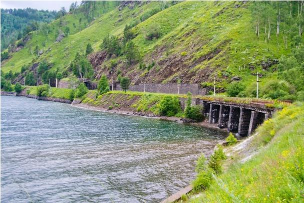 DSC 0707 Кругобайкальская железная дорога   85 км пути без единого хлебного киоска