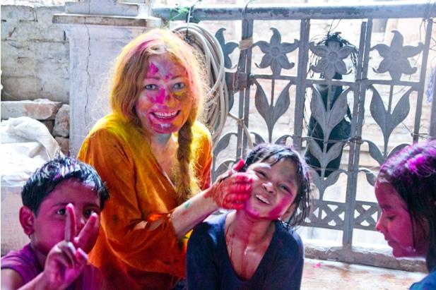10 199 Холи в Варанаси   праздник красок и весны