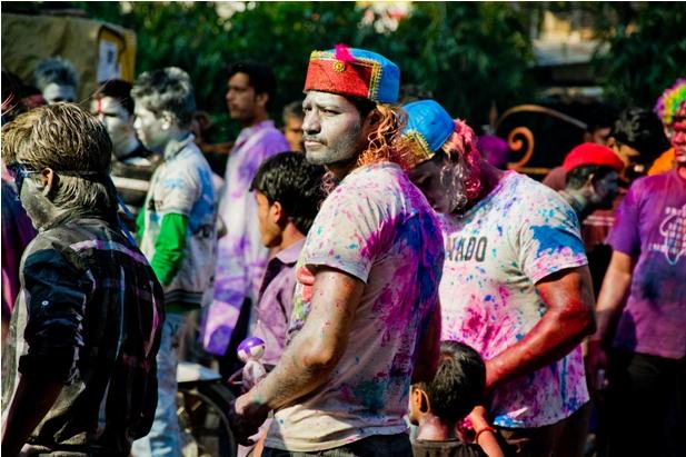 10 74 Холи в Варанаси   праздник красок и весны