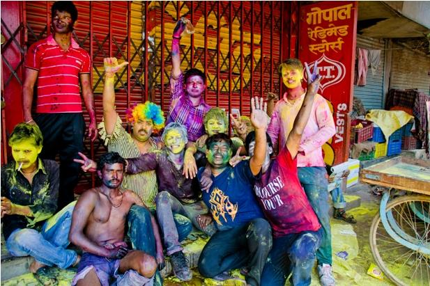 11 132 Холи в Варанаси   праздник красок и весны