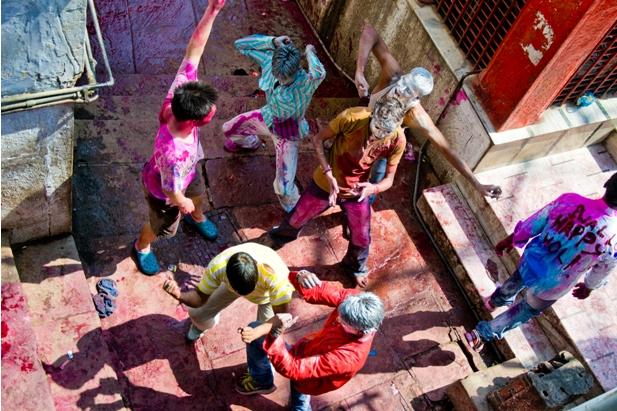11 30 Холи в Варанаси   праздник красок и весны