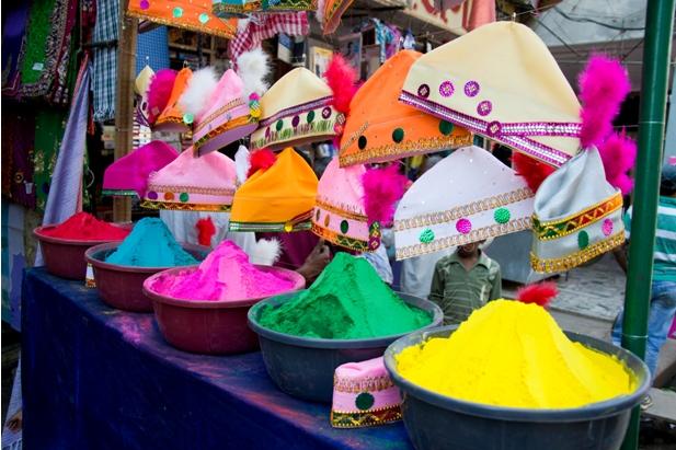 8 99 Холи в Варанаси   праздник красок и весны